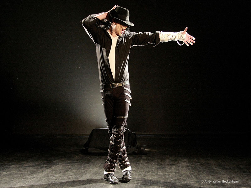 Tribute to the king konzert mit michael jackson imitator sascha